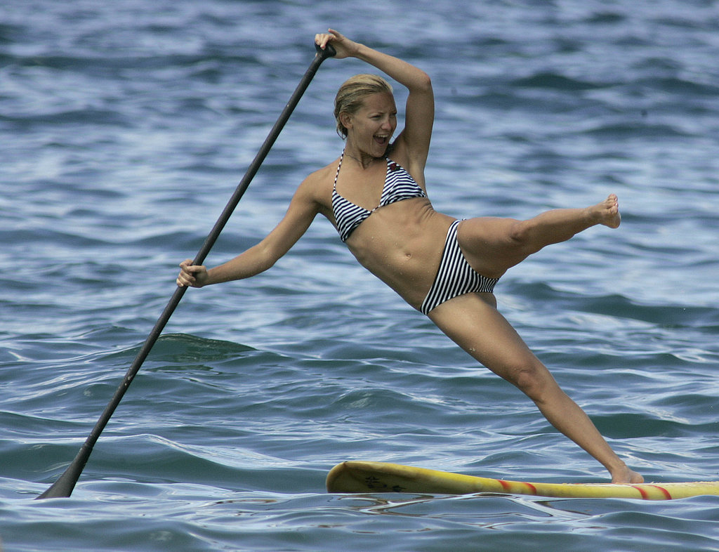 Kate Hudson practiced paddleboarding on a Hawaiian vacation in the Fall of 2006.