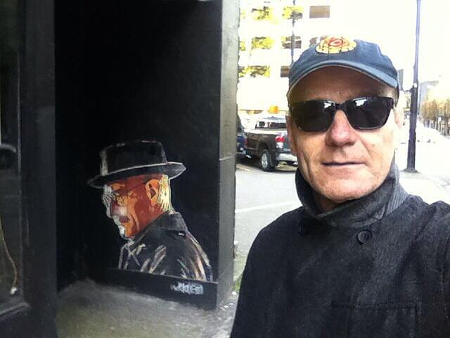 Bryan Cranston found a mural of his Breaking Bad character, Walter White, and asked it how the series would end. Source: Twitter user BryanCranston