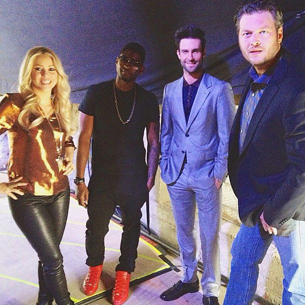 Usher, Shakira, Adam Levine, and Blake Shelton posed together on the set of The Voice. Source: Instagram user ho