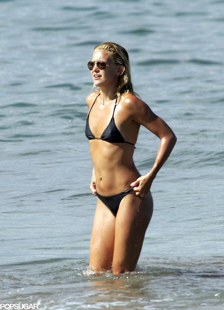 Kate Hudson enjoyed the Maui beach in a black bikini in September 2006.