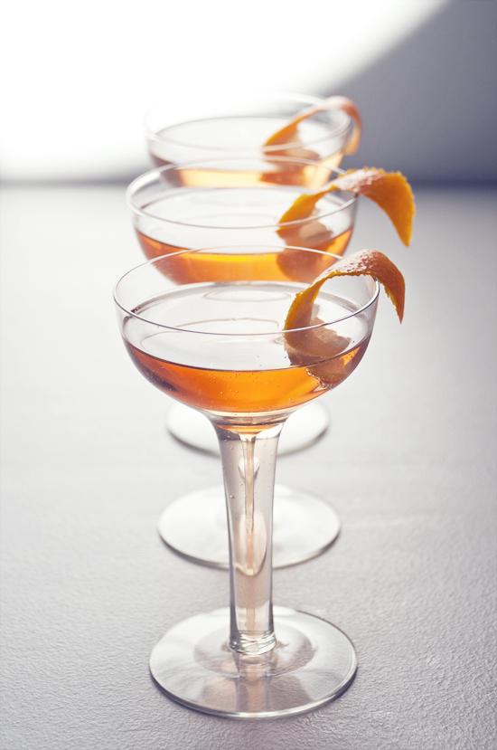 Sparkling lillet and grapefruit cocktail popsugar food for Cocktail lillet