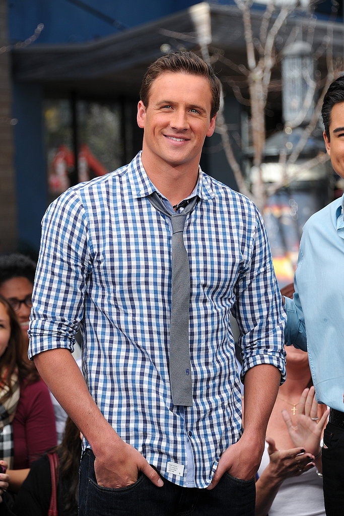Ryan was looking cool and casual during a taping of Extra in LA this week.