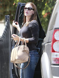 Jennifer Garner carried a beige bag in LA on Thursday.
