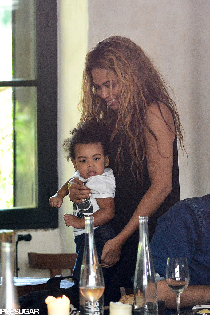 Beyonce Knowles lad a Parisian lunch with Blue Ivy Carter in April 2013.