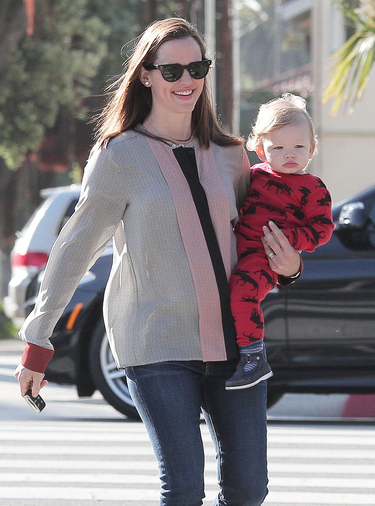 Jennifer Garner and Samuel Affleck kicked off their weekend with an errand run in LA on Friday.