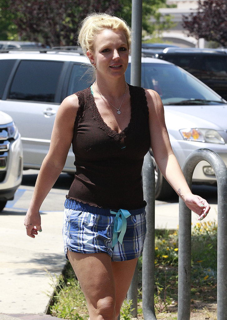 "Britney Spears Hits the Gym Following ""Girl Crush"" Reveal"