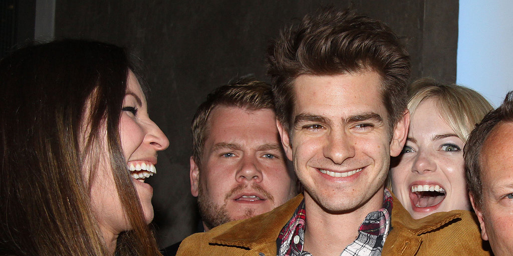 Emma Stone Photobombs Andrew Garfield!