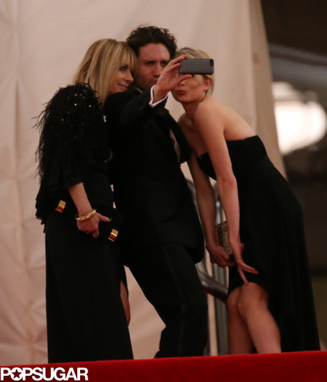 Michelle Williams posed with Kim Gordon and Edgar Ramirez at the Met Gala.