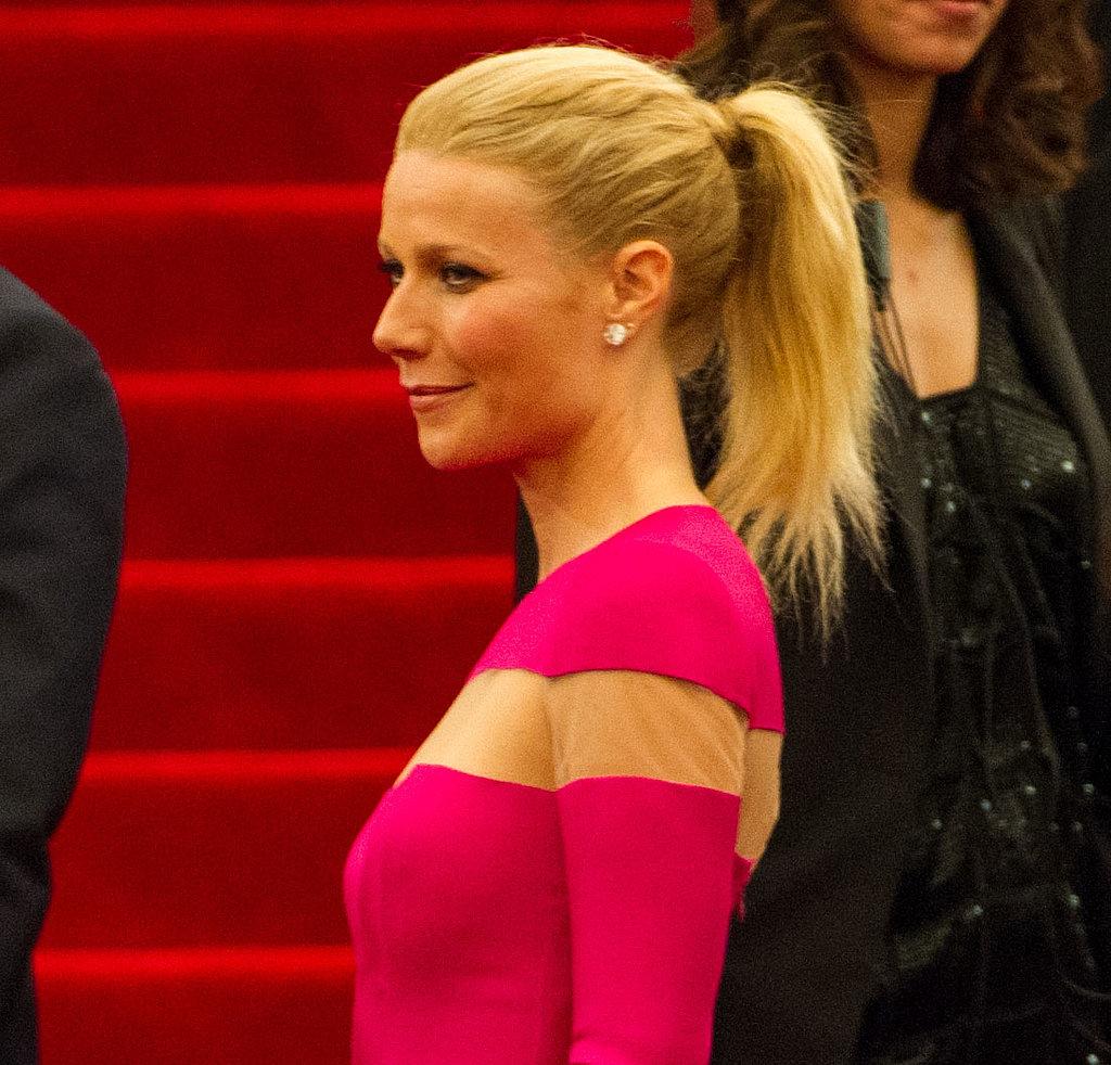 Gwyneth Paltrow kept it simple with a pair of Wilfredo Rosado diamond stud earrings.