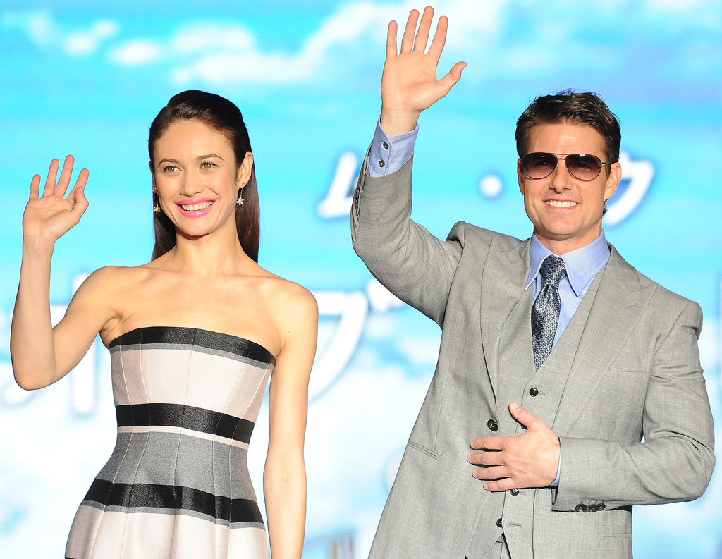 Tom Cruise and Olga Kurylenko waved to their fans.