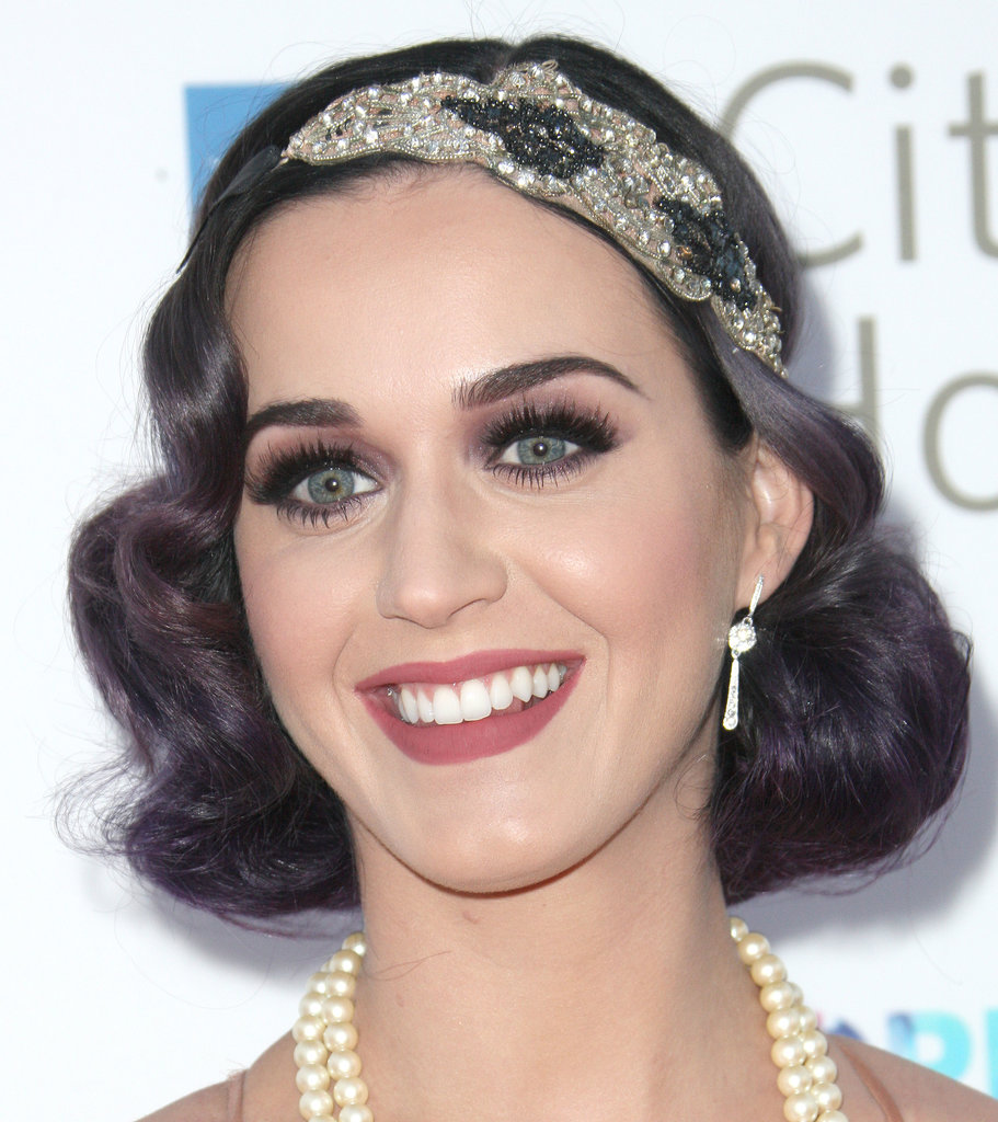 At a music industry event in 2012, Katy Perry rocked a sparkling headband and a rolled-under faux bob in true Gatsby fashion.