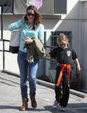 Jennifer Garner accompanied Violet Affleck to her karate class in LA.