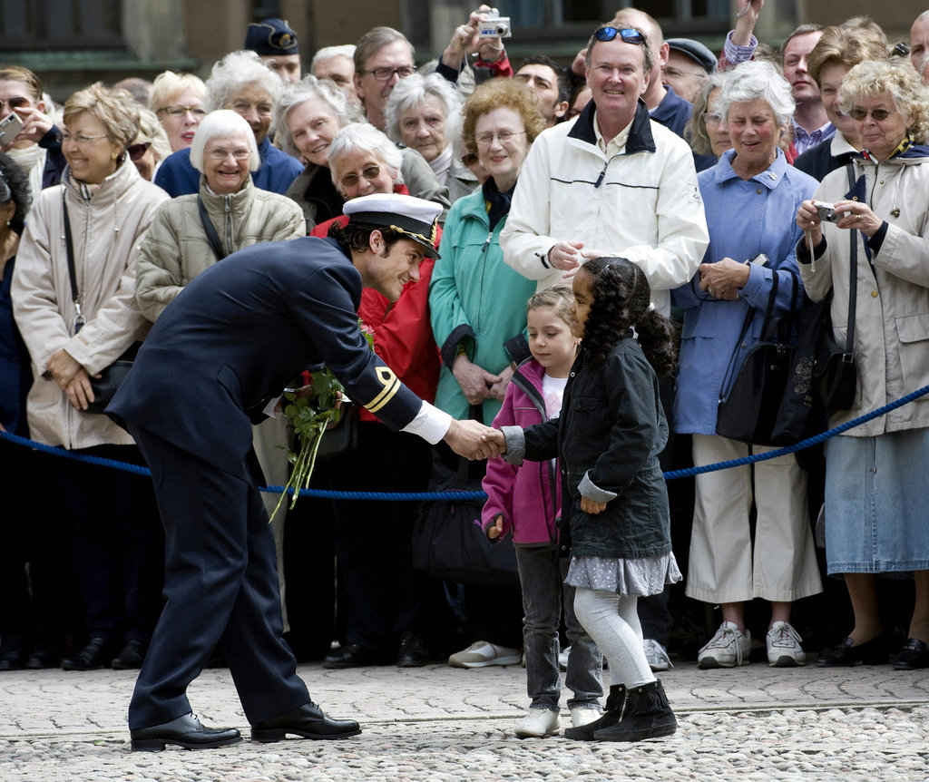 His sweet interactions with kids upped Prince Carl Philip's cute factor during his 30th birthday celebrations in 2009.