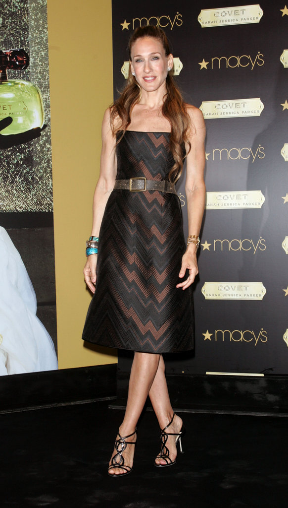 Parker chose a printed Akris dress, strappy sandals, and a few bangles for the NYC unveiling of her Covet fragrance in 2007.