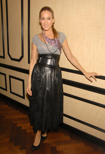 SJP tried to downplay her high-waist leather midi skirt with a simple gray tee, but in true Carrie fashion, the starlet had to add a dash of va-va-voom with a sparkling bib necklace at a Laura Mercier event in November 2006.