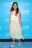 For the 8th Annual UNICEF Snowflake Ball, SJP's seafoam-and-white ostrich-feathered Louis Vuitton ensemble, complete with white pointed pumps, could not have been more perfect.