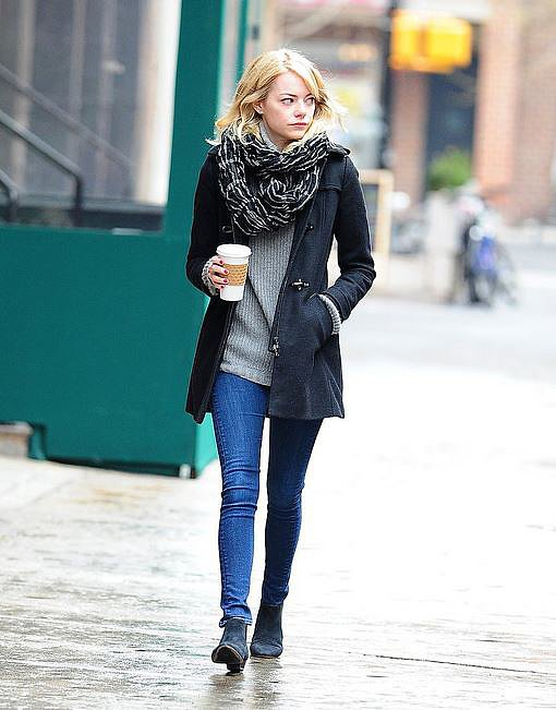 This is a basic get-up, but it works. By keeping to grey, black and denim Emma Stone pulled it together.
