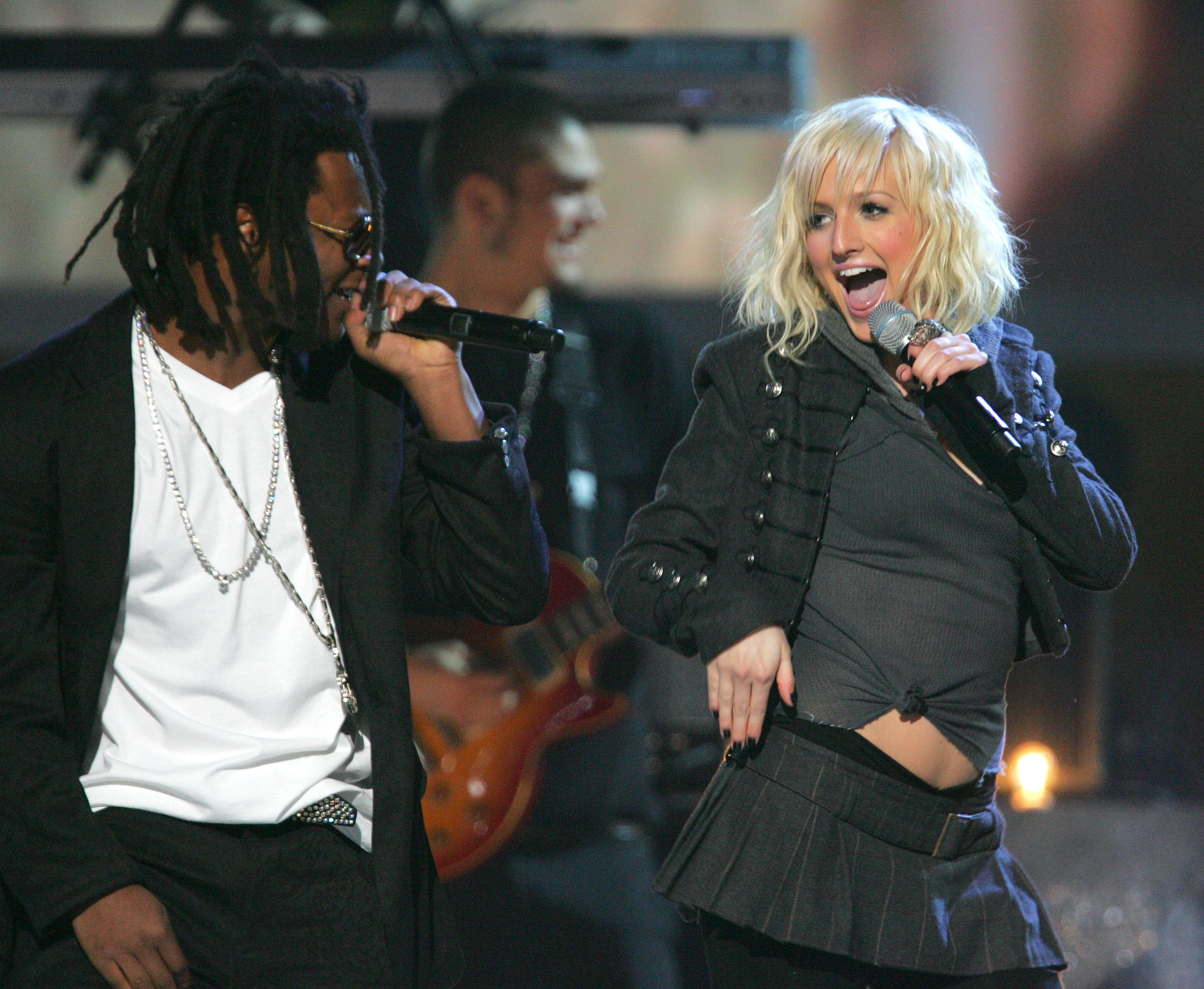 In December 2005, Ashlee Simpson performed with Pretty Ricky at the Billboard Music Awards.