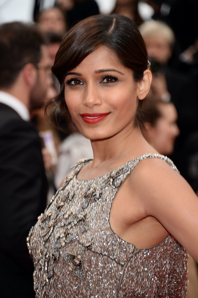 At the premiere of Jeune & Jolie, Freida Pinto sported a classically beautiful makeup palette. She played up her eyes by swiping on L'Oréal Colour Riche Eye Shadow Quad in Cupa Joe ($8) before layering on plenty of black mascara. Freida finished the look with a rich red lipstick: Infallible Le Rouge in Refined Ruby ($10).