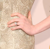 Anne Hathaway dressed up her nails at the Critics' Choice Awards with a gorgeous gold glitter gradient.