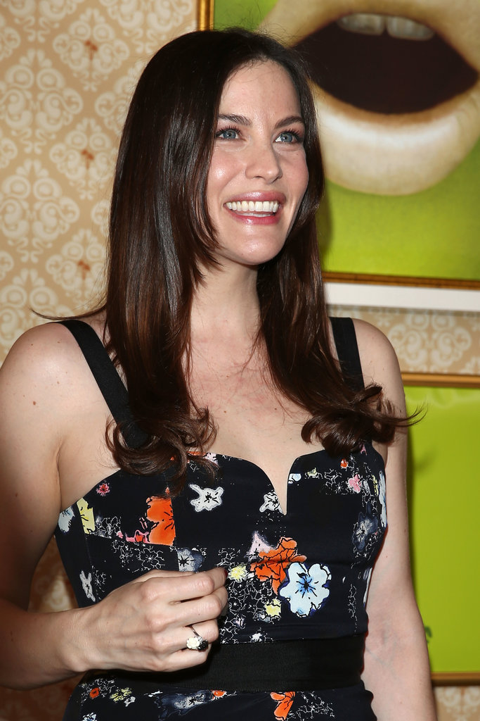 Liv Tyler kept things natural, but we're crazy about that dewy skin!