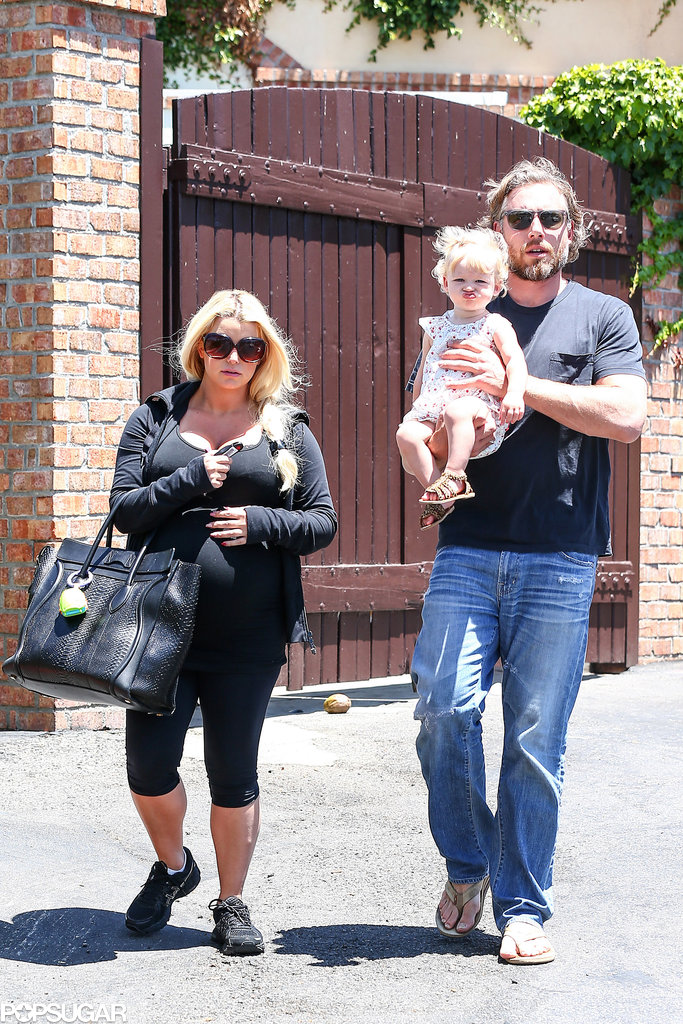Jessica Simpson and Eric Johnson went to lunch with their daughter Maxwell.