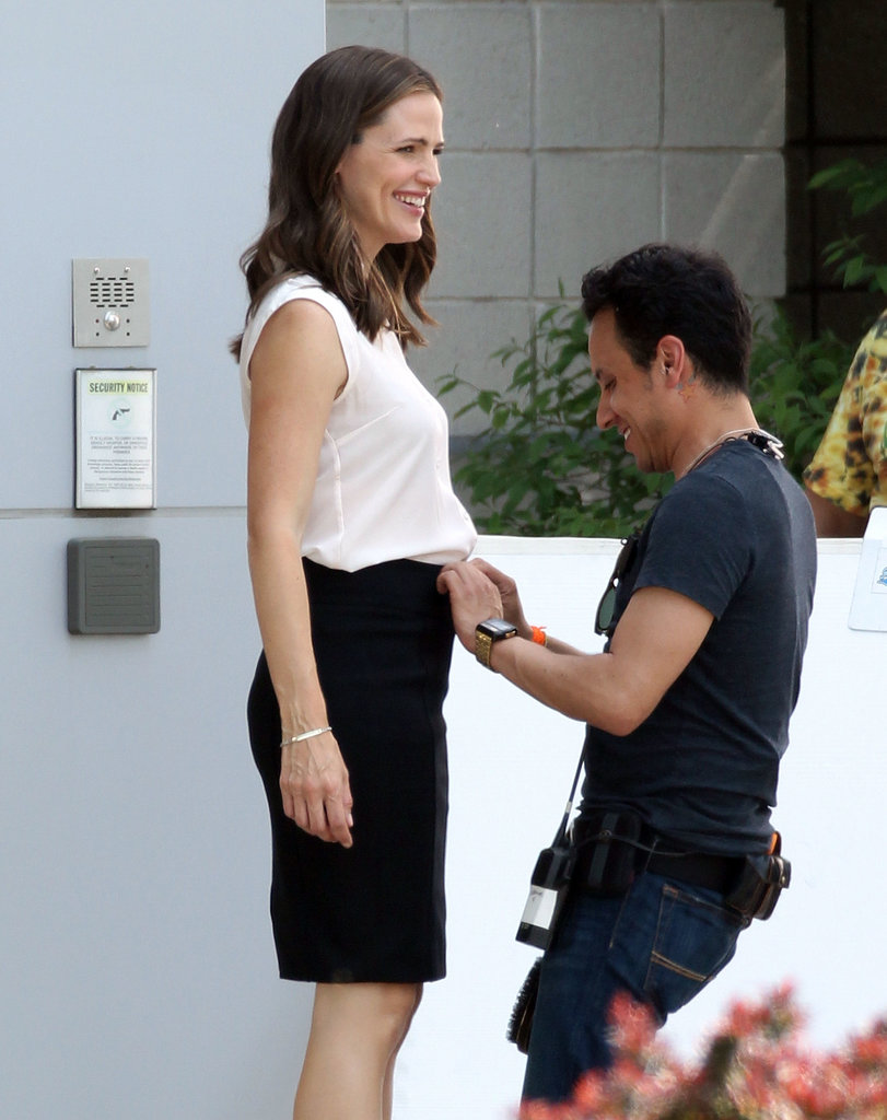Jennifer Garner smiled while on the set of Draft Day.