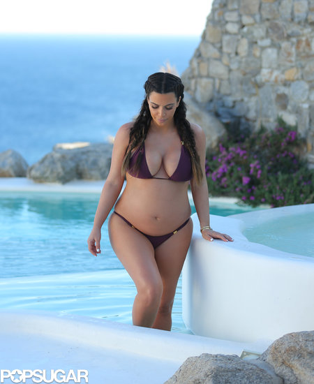English: ‭Kim Kardashian Bikini US Weekly Magazine
