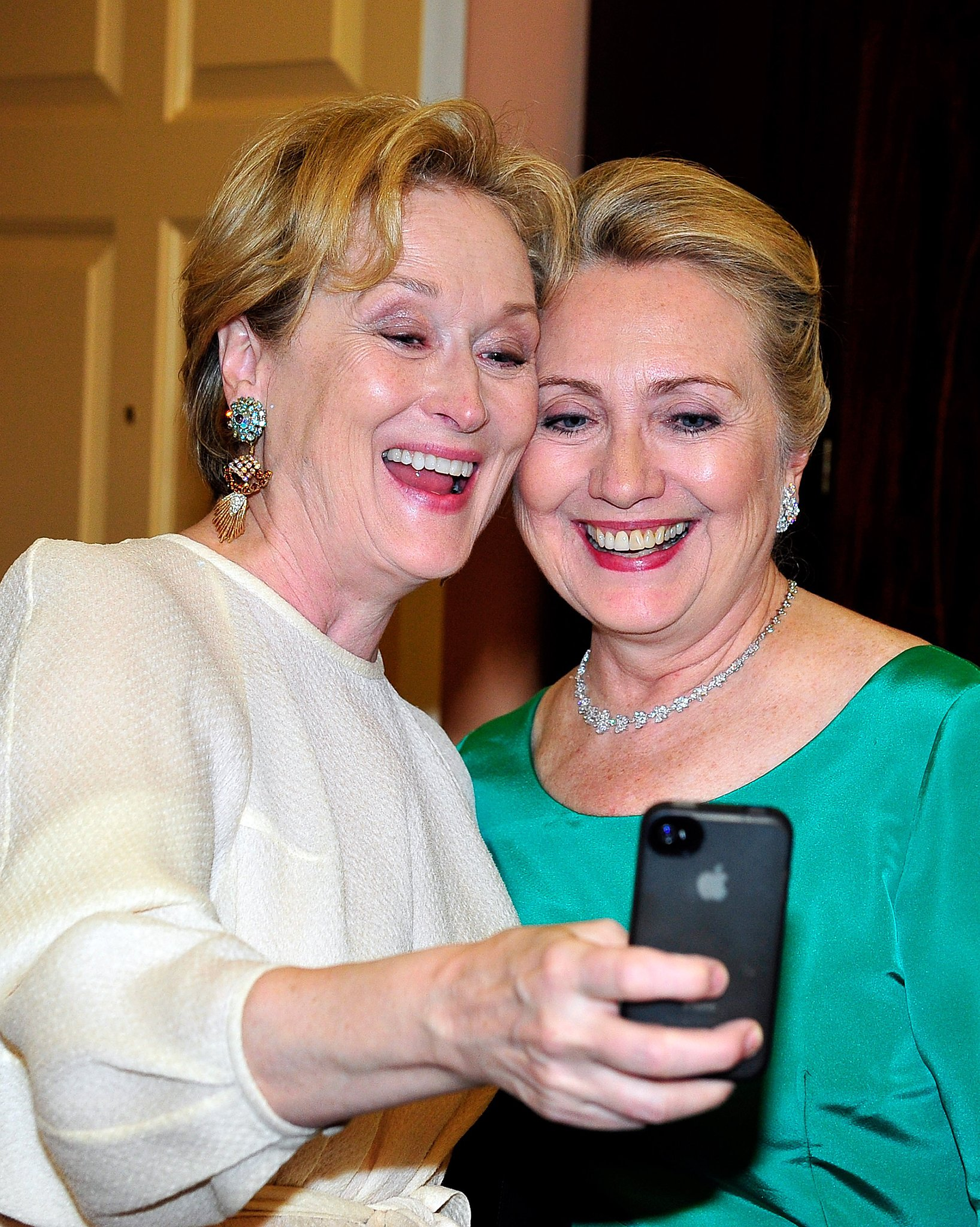 Meryl Streep couldn't pass up an opportunity to take a selfie with Hillary Clinton during the Kennedy Center Honors