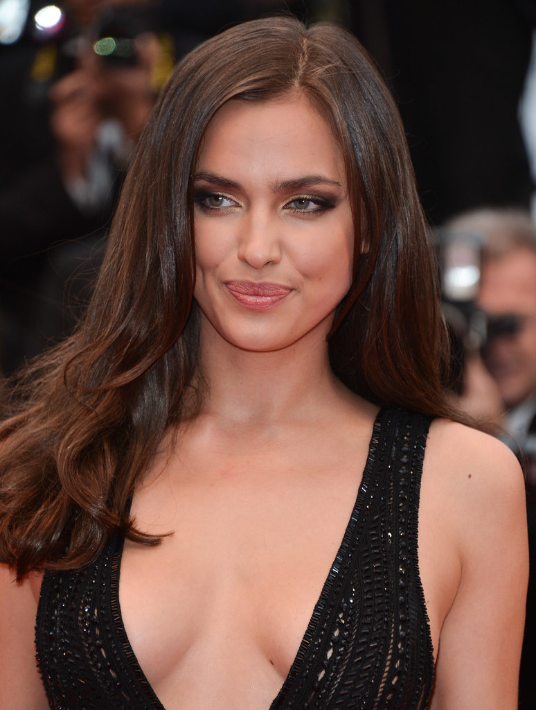 Model Irina Shayk balanced her winged smoky eye makeup with a neutral lip hue at the All Is Lost premiere.