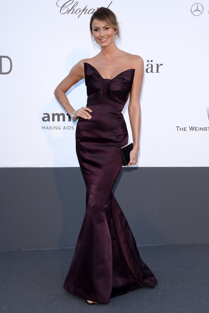 Stacy Keibler's eggplant-hued mermaid Zac Posen gown featured a fabulous oversize bow that accentuated her small waist.