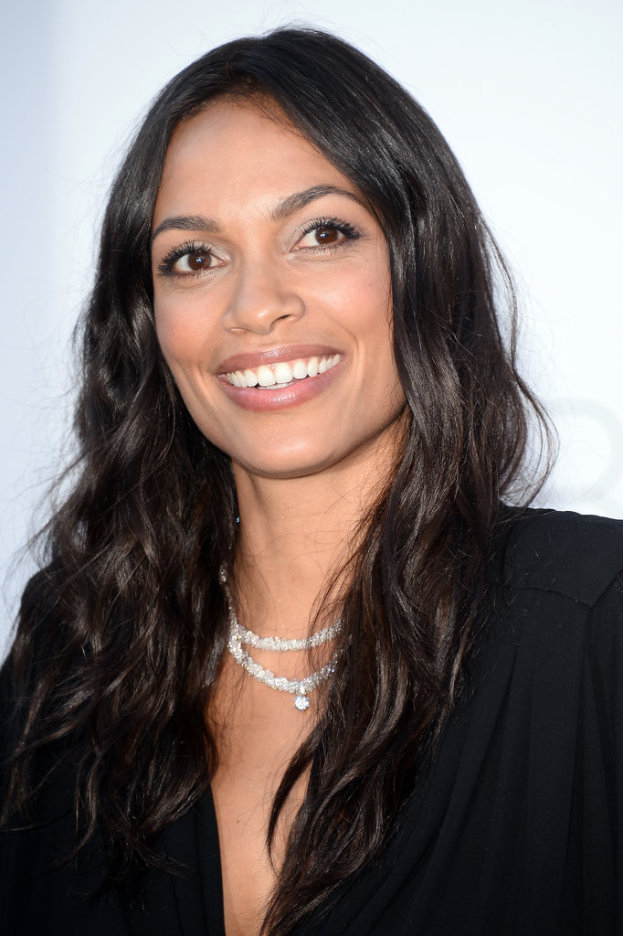 Rosario Dawson showed off long, relaxed waves and shimmering pearlescent shadow.