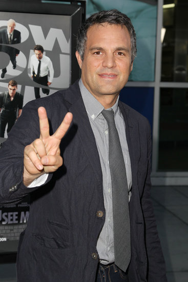 Mark Ruffalo flashed a peace sign on the red carpet.