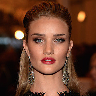 Beauty News: Rosie Huntington-Whiteley New Face of Model Co
