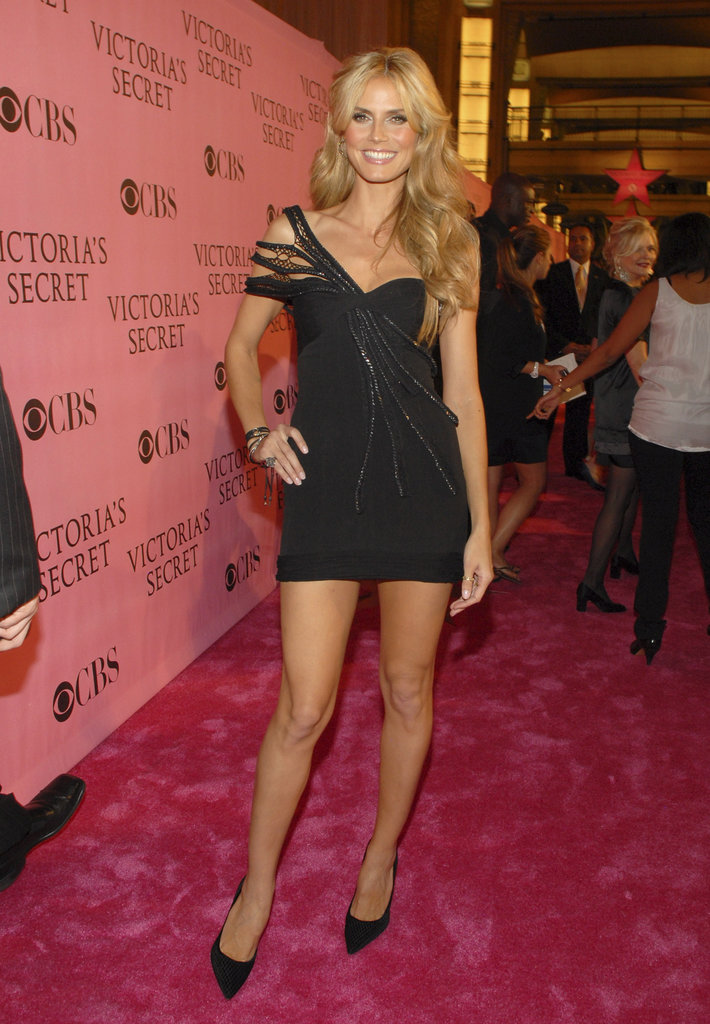 At the 2007 Victoria's Secret Fashion Show, Heidi owned her supermodel status in a sexy LBD, matching pointed pumps, cascading curls, and a mega-watt smile.
