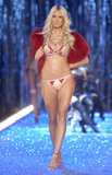 In November 2003, Heidi Klum flaunted her assets at the Victoria's Secret runway show.