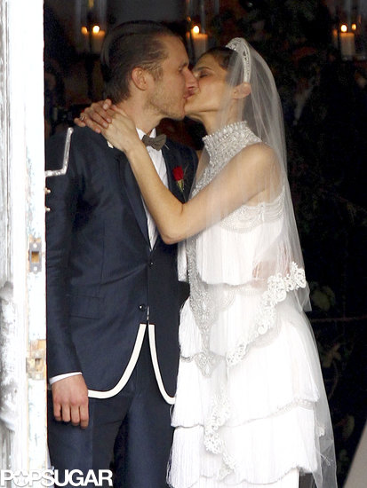 Lake Bell kissed her new husband.