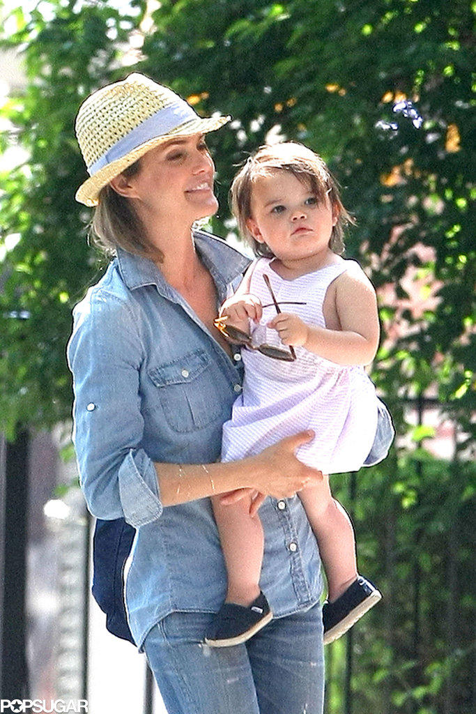 Keri Russell held onto her daughter, Willa Lou.