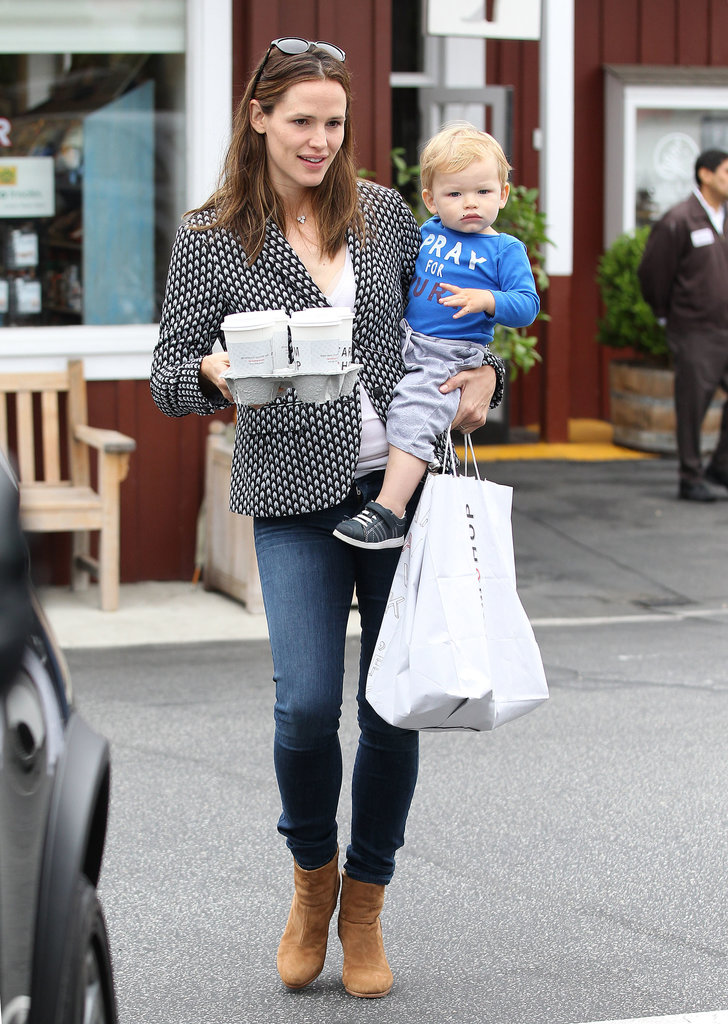 Jennifer Garner stopped to get coffee with her son, Samuel Affleck, on Wednesday.