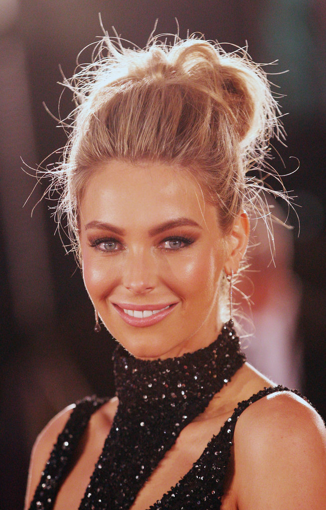 When does a messy bun not work? Jen looked angelic at the Logies.