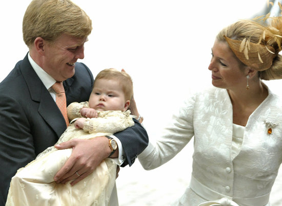 Now King Willem-Alexander and Queen Maxiima of the Netherlands held their Princess Amalia before her baptism in 2004.
