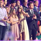 Taylor Swift Dancing at the CMT Music Awards   Video