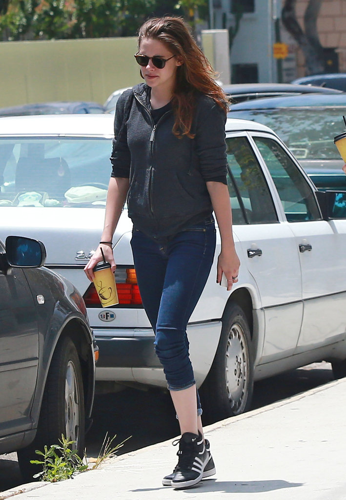 Supersmiley Kristen Stewart Steps Out in LA