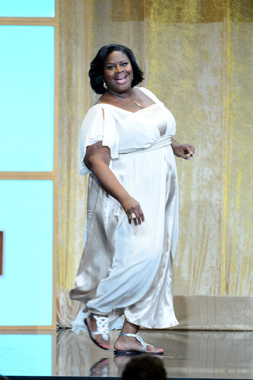 Host Retta looked stunning in an ivory gown.