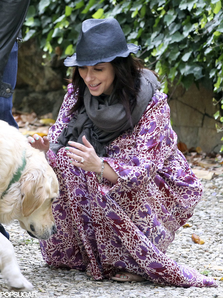 Jennifer Love Hewitt pet a neighborhood dog in Florence, Italy.