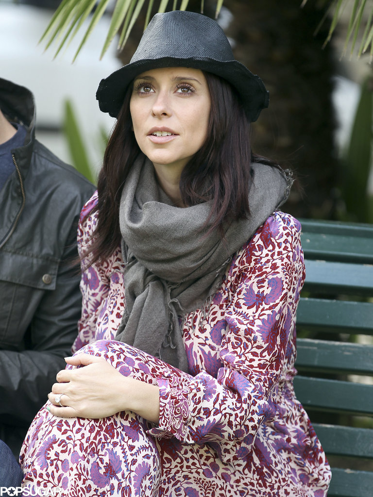 Jennifer Love Hewitt took a seat on a bench in Florence, Italy.