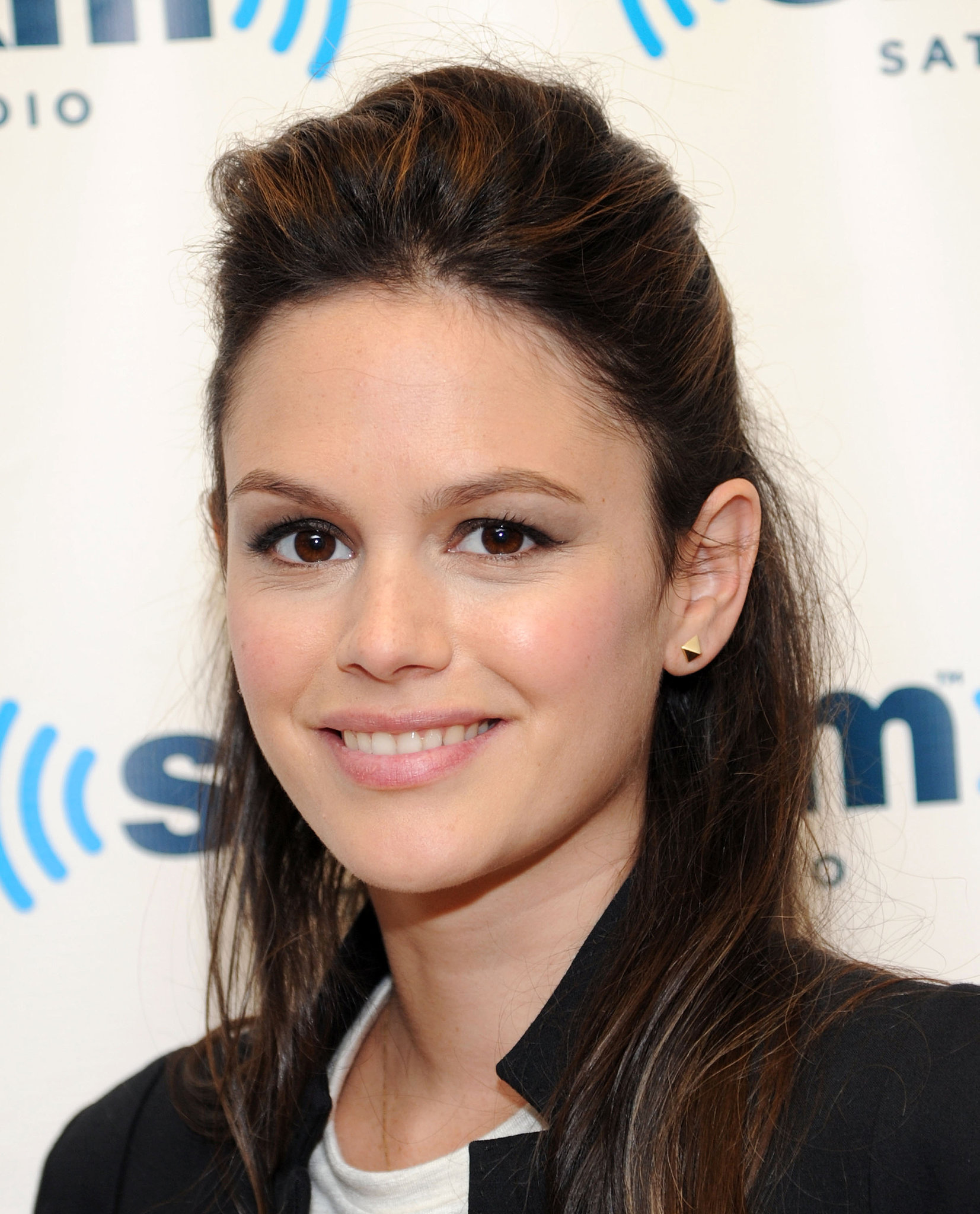 Wearing your hair half up isn't just for little girls. Rachel Bilson showed that a little extra oomph on the