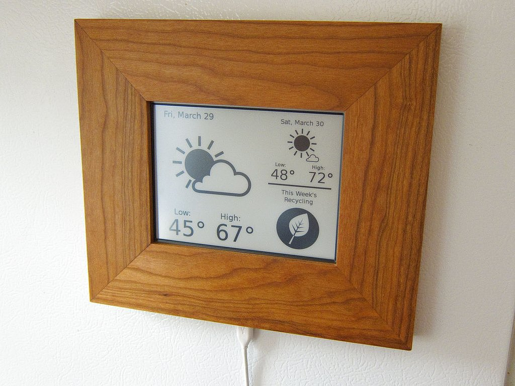 Kindle Weather and Recycling Station