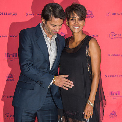 Pregnant Halle Berry and Olivier Martinez in Paris