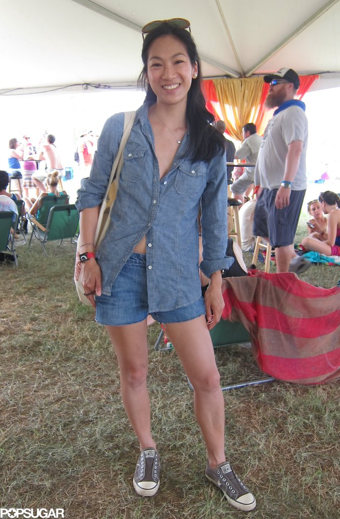 Carolyn's denim-on-denim look was crisp, easy, and with the addition of lace-less Converse, proved classic, too.